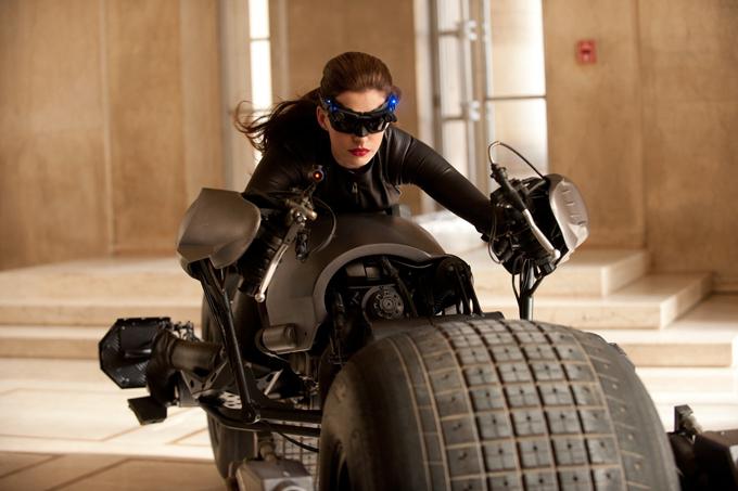 Catwoman au volant du BatPod