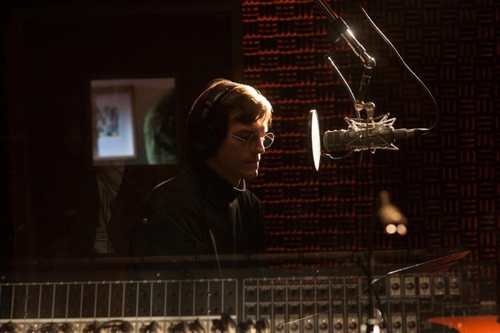 Steve Jobs (Ashton Kutcher)